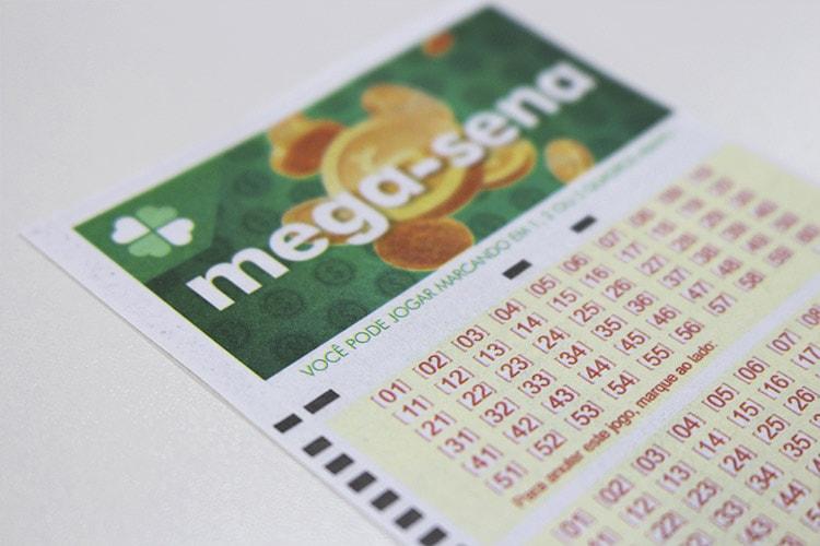 Mega-Sena é uma das seis loterias que têm sorteio amanhã